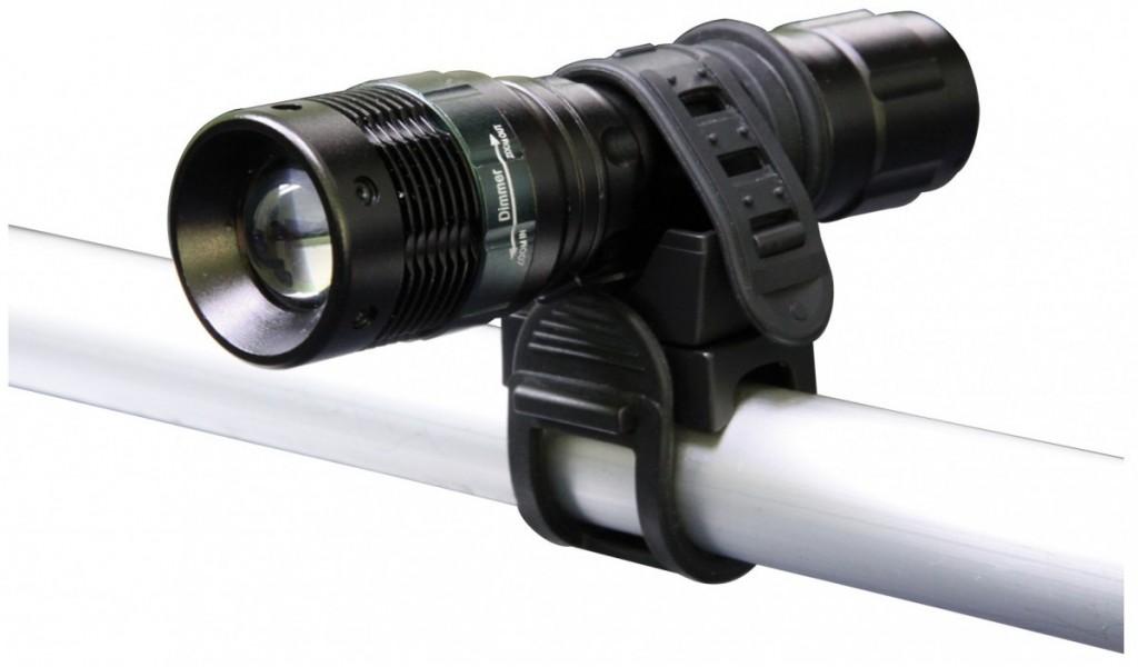 LED svítilna - 1 LED dioda 3W FOKUS - na 3xAAA - P3839